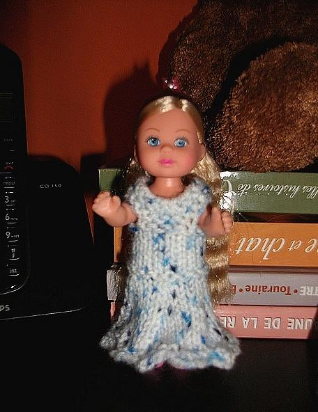 Tricot Barbie (Shelly): robe d'été n°2 par les copinautes
